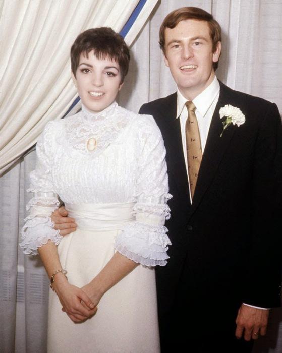 Свадьба известной американской актрисы и певицы с австралийским фолксингером, 1967 год.