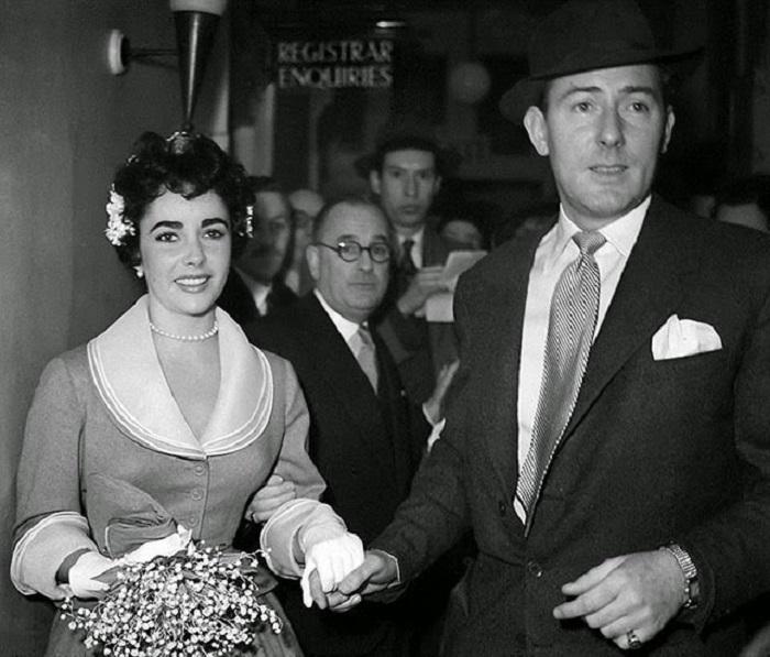 Свадьба «королевы Голливуда» и английского актёра, 1952 год.