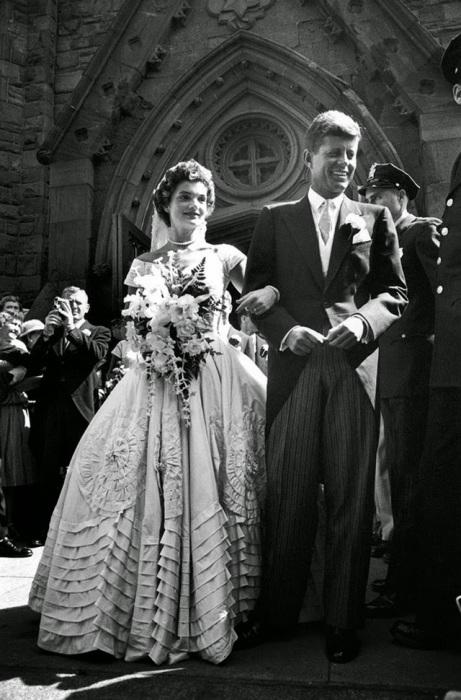 Свадьба 35-го президента США с одной из самых популярных женщин своего времени, 1953 год.
