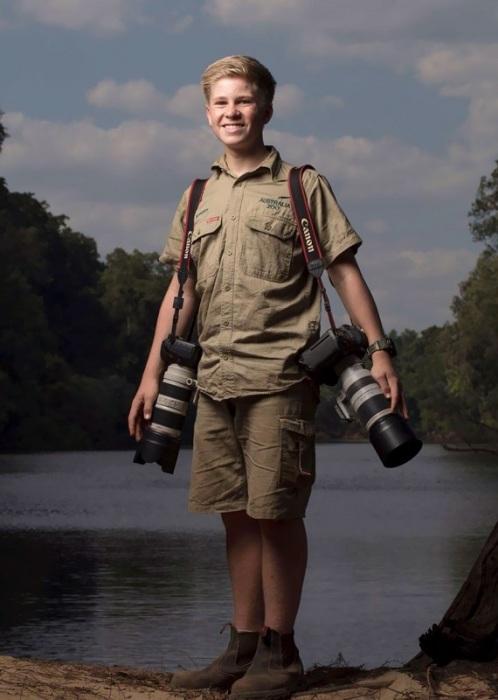 Талантливый и бесстрашный парень путешествует по планете и фотографирует представителей царства животных.