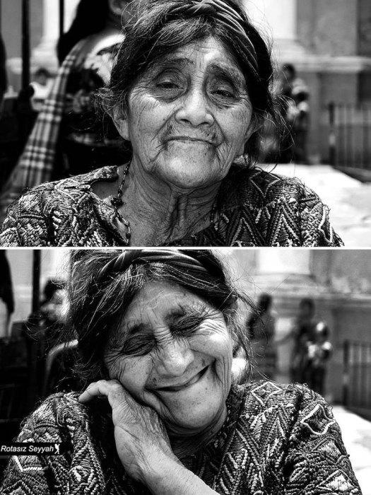 Женщина растрогана до слез.