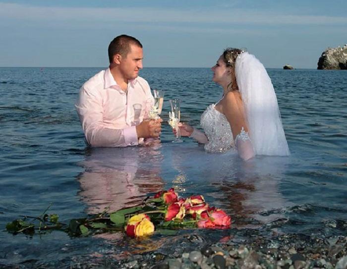А ведь благодаря графическому редактору жених и невеста даже не замерзли!
