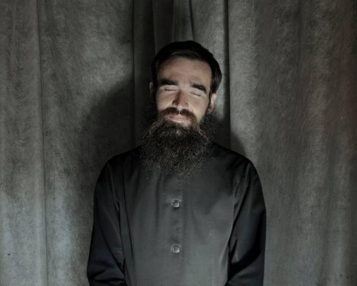Дмитрий Полевчук после 5-часовой ночной религиозной службы.