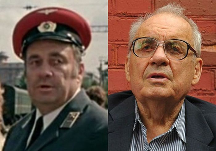 Режиссер создал образ заместителя начальника вокзала в своем же фильме с увлекательным сюжетом, вышедший на экраны в 1982 году.