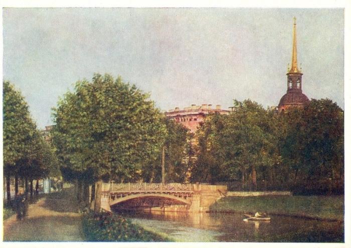 Дворец заложен 26 февраля 1797 года. Над его проектом трудились известные архитекторы Баженов и Бренна.