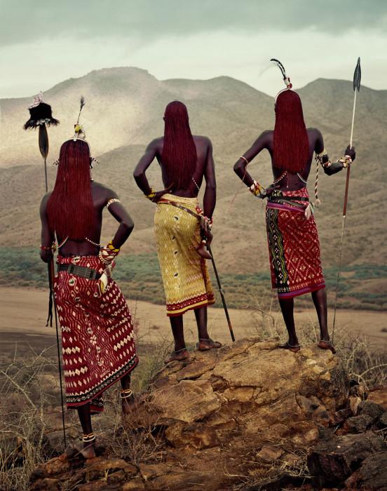 «Шукка» — длинный отрез ткани, которым они свободно оборачивают свои тела.