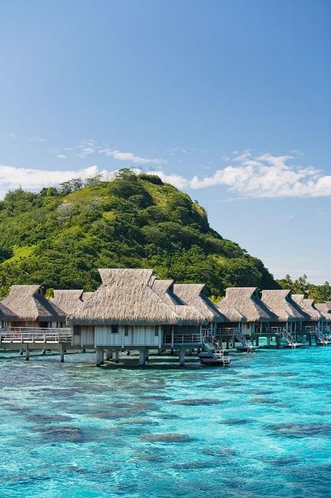 Элитные берега, окруженные коралловыми рифами.