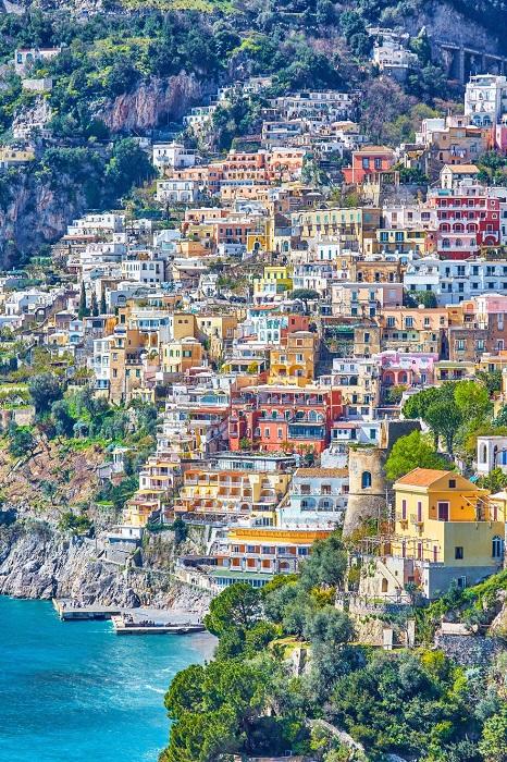 40 км восторга и 16 населенных пунктов с видом на заливы Тирейского моря.