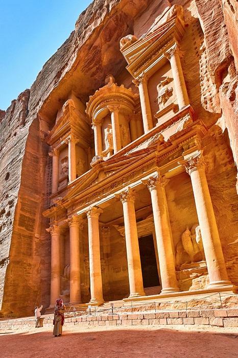 Столица набатейского царства, удивительный памятник архитектуры.