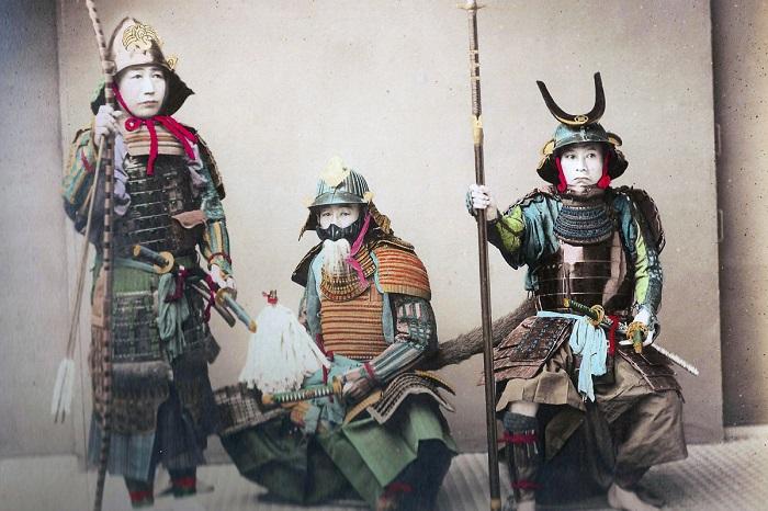 Цветные фотографии японских самураев в конце 1880-х годов.