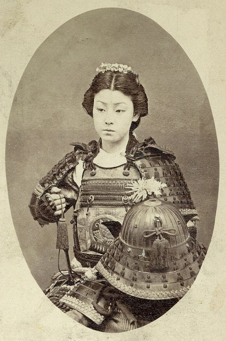 Женщина-самурай.