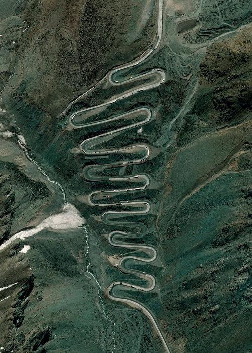 Перевал улитки, находится в отдаленном районе Анд на чилийской стороне границы с Аргентиной.