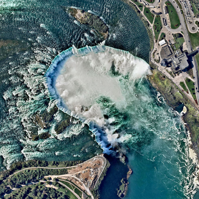 Водопад входит в число Самых красивых водопадов мира.