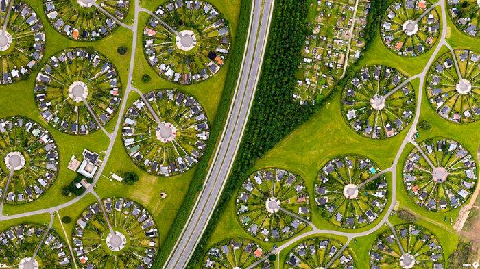 Жилые участки в пригороде Копенгагена, Брондбю, Дания.