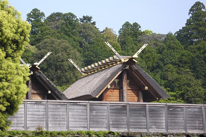 На территорию синтоистского храма, посвященного богине солнца Аматэрасу, могут войти только жрецы и члены императорской семьи.