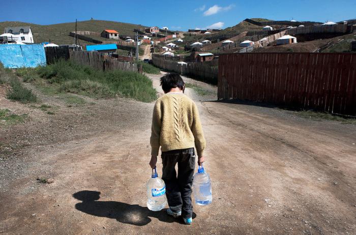 70% жителей поселков юрт живут без проточной воды.