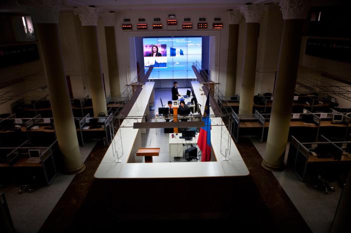 За последние 10 лет финансовый институт перестал быть самой мелкой фондовой биржей мира.