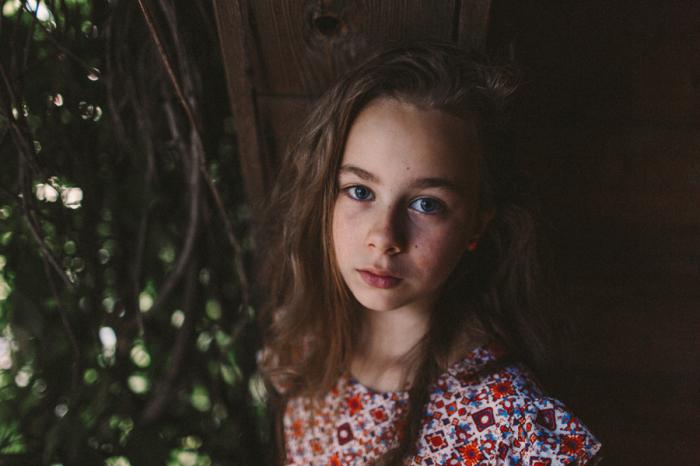 Девочка с задумчивым взглядом. Автор фотографии:Оксана Гурьянова.