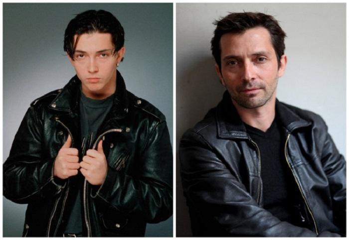 Себастьян бросил сниматься в сериале для того, чтобы серьезно заниматься музыкой и уже в 1992 году вышел его дебютный альбом, который был довольно популярным во Франции.