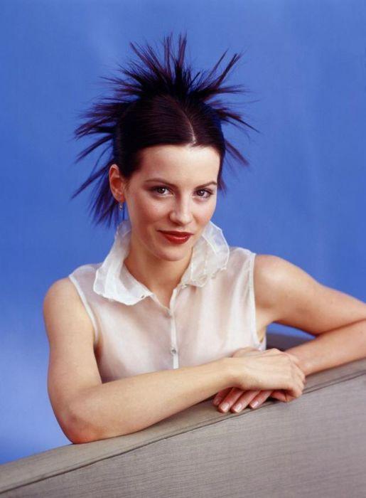 Английская актриса в роли большого черного паука.