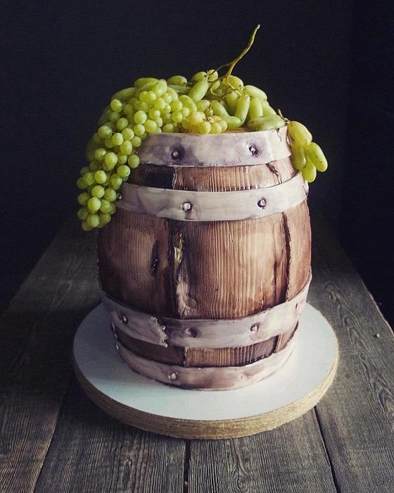 Тематический торт для виноделов.