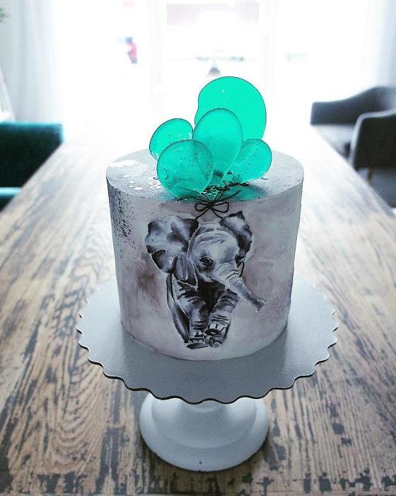 Милый детский тортик с трепетным мотивом.