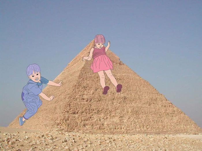 Весёлые игры маленьких детей в Египте.