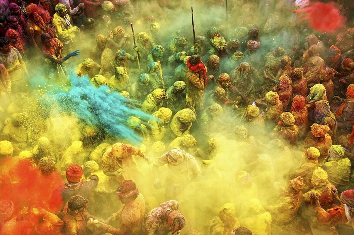 2-е место в категории «Хрупкий лед» занял снимок «Игра цветов» фотографа Анурага Кумара (Anurag Kumar).
