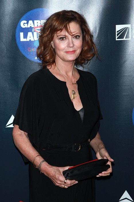 Внешность американской актрисы, которая все свои самые известные роли сыграла уже после 40-ка лет, совершенно не соответствует возрасту.