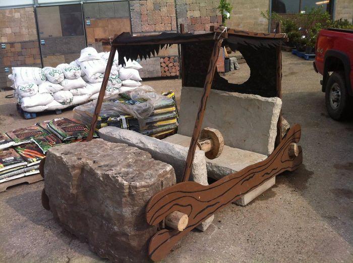 И как теперь объяснить появление этого каменного транспортного средства начальнику?