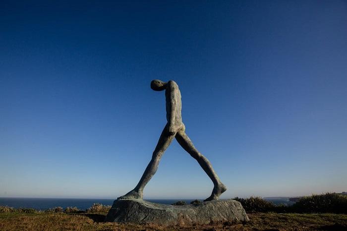 Монументальная скульптура китайского художника Вэй Ванна. Автор фотографии: (Charlotte Curd) Шарлотта Гурд.