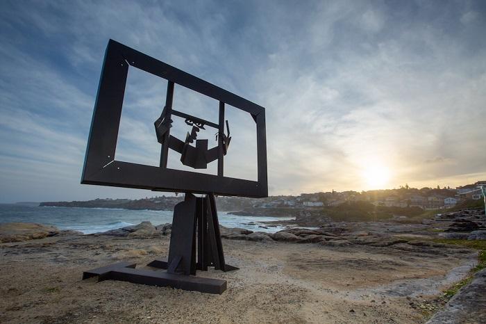 Произведение австралийского скульптора Майкла Снейпа. Автор фотографии: (G. Carr) Г. Карр.