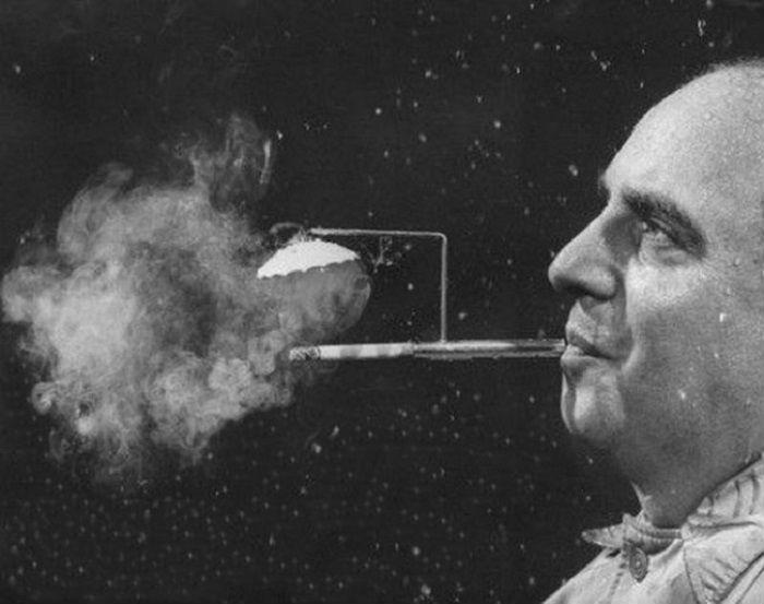 Мундштук был изобретен в 1954 году Робертом Стерном.