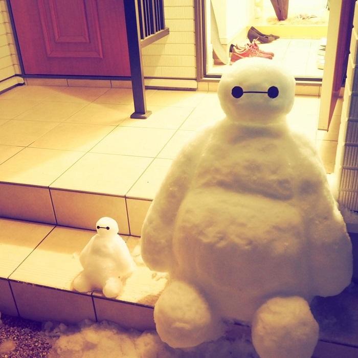 Бэймакс – один из самых популярных персонажей, воплощаемых в снежных скульптурах.