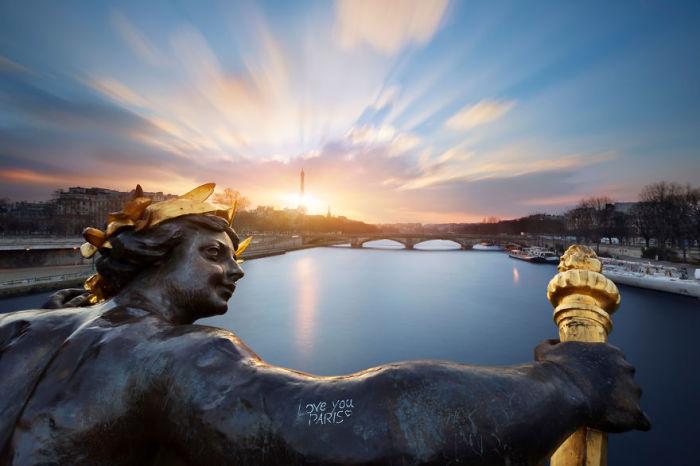 Рассвет в Париже так прекрасен.