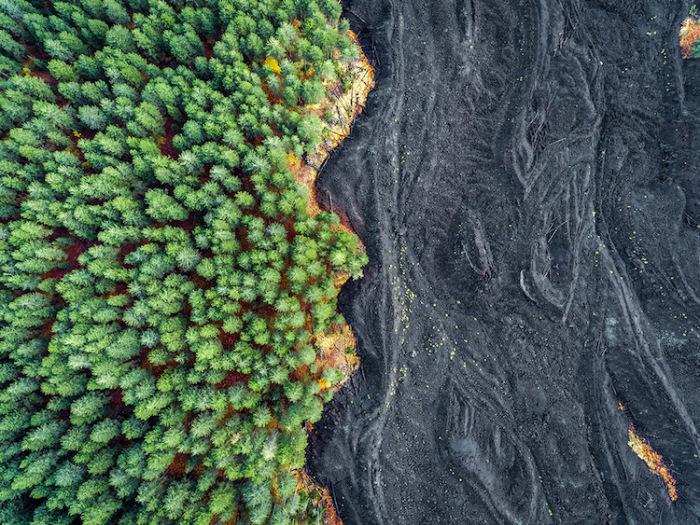 Потоки застывшей лавы дружелюбного вулкана. Автор фотографии: Placido Faranda, Италия.
