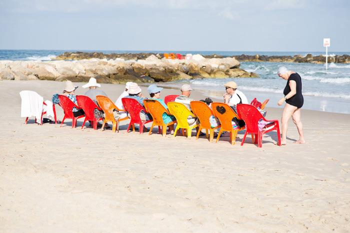 Люди наслаждаются соленым воздухом океана. Автор фотографии: Sophie Berger, Австрия.