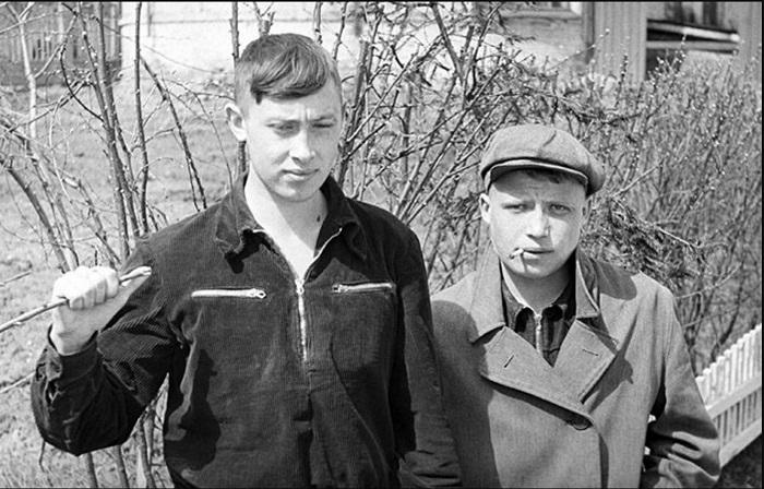 Яркие представители советской  молодежи периода «оттепели» 1950-х годов.