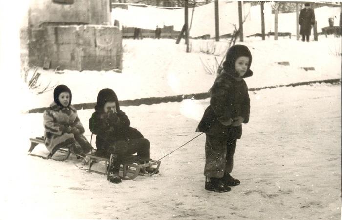 Любая из зимних забав - это настоящий праздник спорта и активного образа жизни!