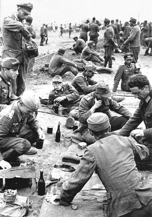 Немецкие пленные офицеры, размещенные в Красногорском особом оперативно-пересыльном лагере №27.