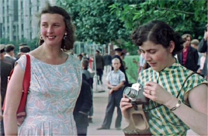 Москва всегда притягивала молодёжь.