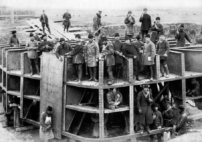 Строительство ксеноновой камеры. 1885 - 1899 год.