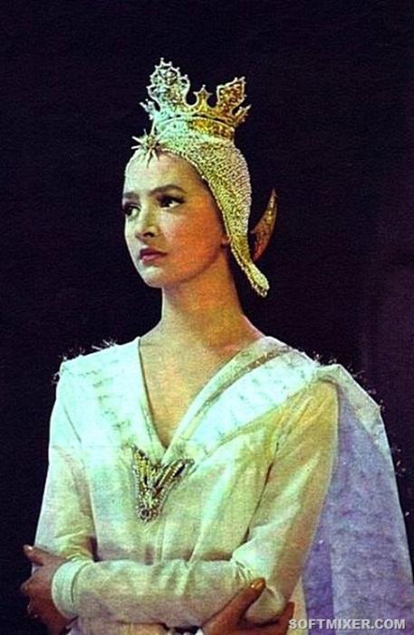 Роль изящной царевны Лебедь в киносказке Александра Птушко «Сказка о царе Салтане» (1966 год) стала дебютом в кино для прекрасной актрисы.