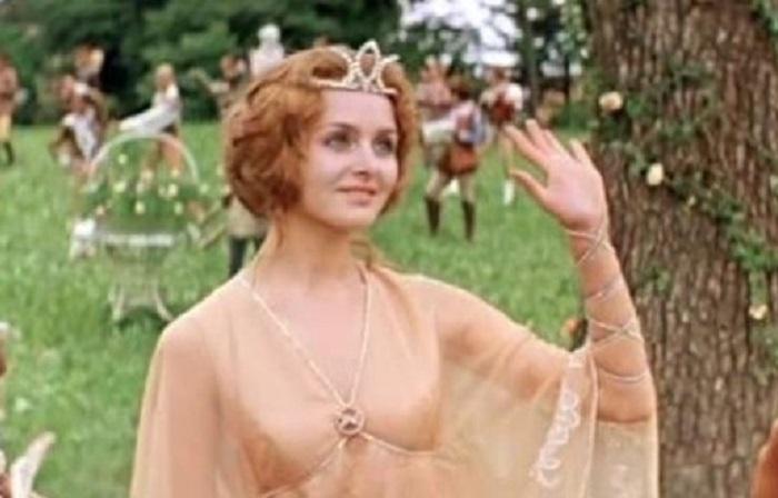 Позже очаровательная актриса сыграла одну из главных ролей в фильме-сказке «Принцесса на горошине», снятом в 1976 году режиссером Борисом Рыцаревым.