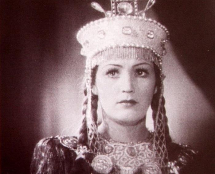Актриса запомнилась ролью Марьи Моревны в фильме-сказке «Кащей Бессмертный», снятом в 1944 году.