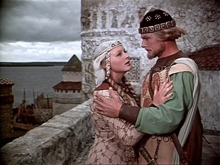 В киносказке «Садко», снятом режиссером Александром Птушко в 1952 году, талантливая актриса сыграла прекрасную Любаву - жену главного героя.