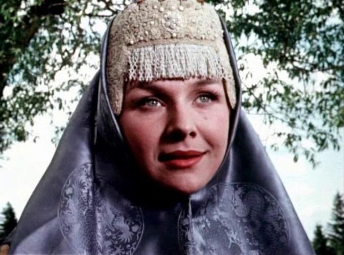 Через 4 года, в 1956-м, актриса появляется в киносказке «Илья Муромец» в роли красавицы Василисы.