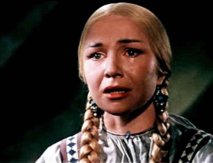 В 1959 году советскую актрису приглашают на главную женскую роль в фильме-сказке «Марья-искусница».