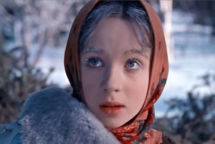 Советский зритель помнит актрису как прекрасную и добрую Настеньку из киносказки «Морозко» (1964 год) режиссера Александра Роу.