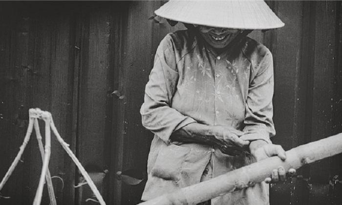 Повседневная деятельность в белоснежном наряде на снимке фотографа Томаса Джеппесена.
